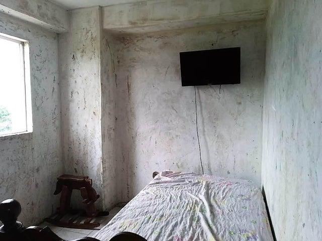 Apartamento Carabobo>Municipio Los Guayos>Paraparal - Venta:5.800 Precio Referencial - codigo: 19-11552