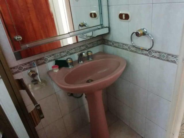 Apartamento Distrito Metropolitano>Caracas>El Valle - Venta:16.000 Precio Referencial - codigo: 19-11611