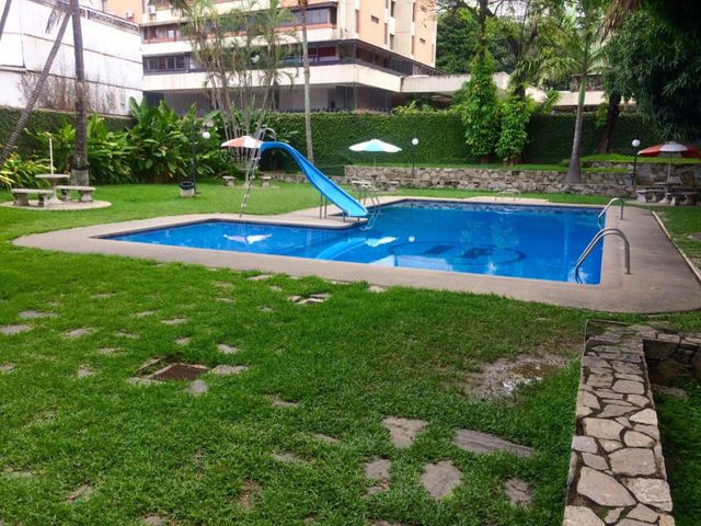 Apartamento Distrito Metropolitano>Caracas>El Paraiso - Venta:45.000 Precio Referencial - codigo: 19-11575