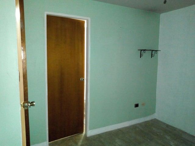 Apartamento Aragua>Maracay>Base Aragua - Venta:28.000 Precio Referencial - codigo: 19-11590