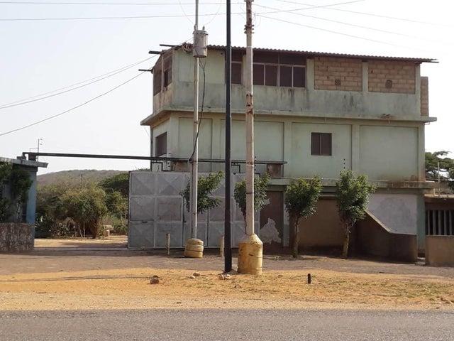 Casa Falcon>Pueblo Nuevo>Pueblo Nuevo - Venta:28.000 Precio Referencial - codigo: 19-11580