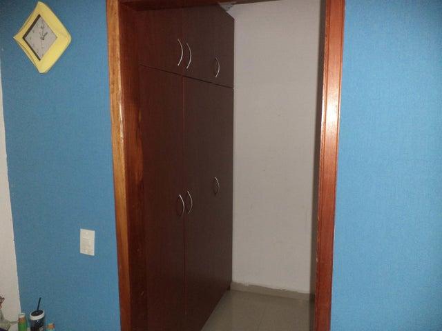 Apartamento Carabobo>Valencia>La Trigaleña - Venta:84.000 Precio Referencial - codigo: 19-11662