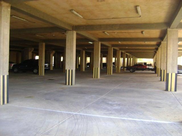 Apartamento Zulia>Maracaibo>Avenida El Milagro - Venta:22.000 Precio Referencial - codigo: 19-11594