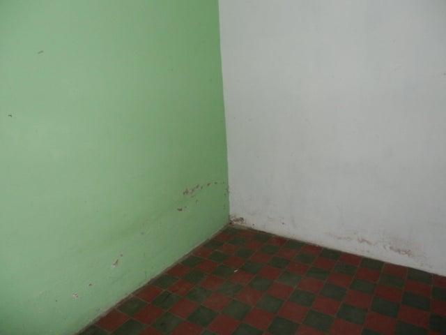 Casa Lara>Barquisimeto>Nueva Segovia - Venta:10.500 Precio Referencial - codigo: 19-11599