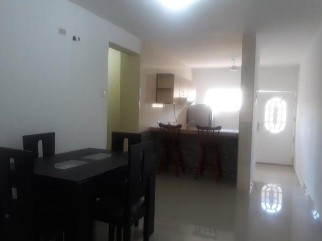 Casa Falcon>Punto Fijo>Los Caciques - Venta:28.000 Precio Referencial - codigo: 19-11476