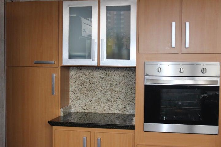 Apartamento Distrito Metropolitano>Caracas>Los Chaguaramos - Venta:75.000 Precio Referencial - codigo: 19-11653