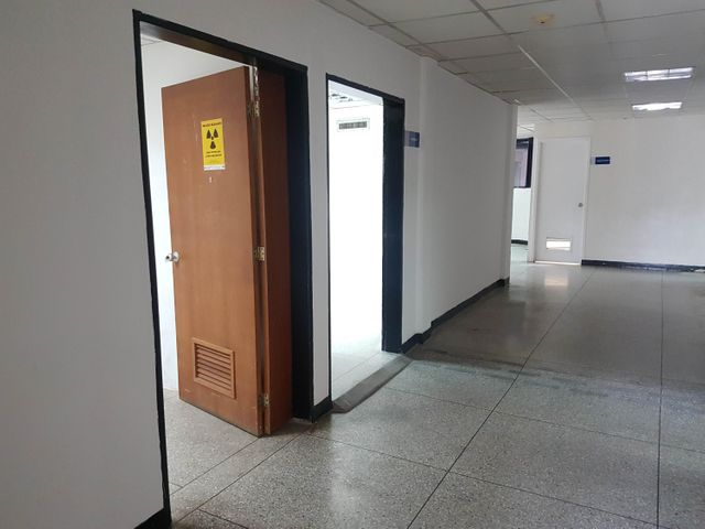 Consultorio Medico  Falcon>Coro> - Alquiler:800 Precio Referencial - codigo: 19-11651