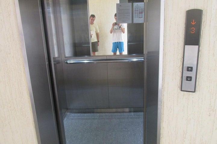 Apartamento Miranda>Higuerote>Agua Sal - Venta:70.000 Precio Referencial - codigo: 19-11674
