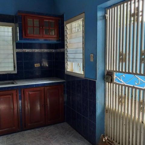 Casa Falcon>Coro>Cruz Verde - Venta:3.800 Precio Referencial - codigo: 19-11673
