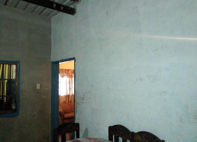 Casa Aragua>Maracay>Zona Centro - Venta:5.500 Precio Referencial - codigo: 19-11686