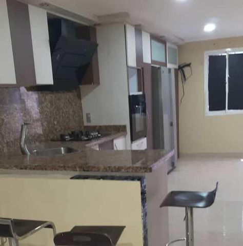 Townhouse Zulia>Maracaibo>La Rotaria - Venta:13.000 Precio Referencial - codigo: 19-11705