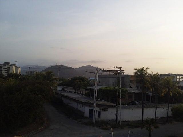 Casa Carabobo>Puerto Cabello>Cumboto - Venta:280.000 Precio Referencial - codigo: 19-11689