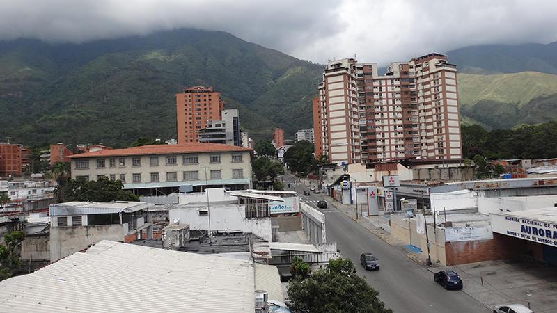 Local Comercial Distrito Metropolitano>Caracas>Los Dos Caminos - Venta:3.750.000 Precio Referencial - codigo: 19-11726