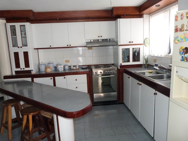 Casa Distrito Metropolitano>Caracas>Monterrey - Venta:150.000 Precio Referencial - codigo: 19-11752