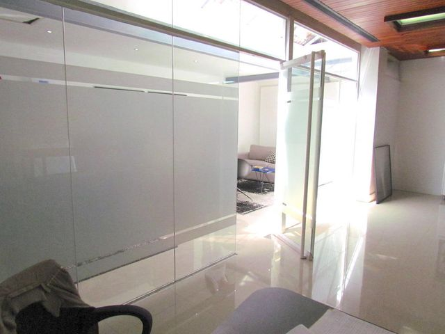 Oficina Distrito Metropolitano>Caracas>Campo Alegre - Alquiler:1.250 Precio Referencial - codigo: 19-11821