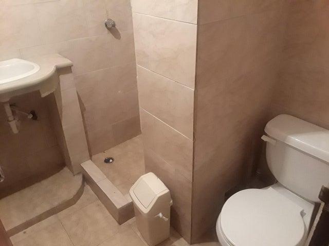 Apartamento Zulia>Maracaibo>Gallo Verde - Venta:7.000 Precio Referencial - codigo: 19-11751