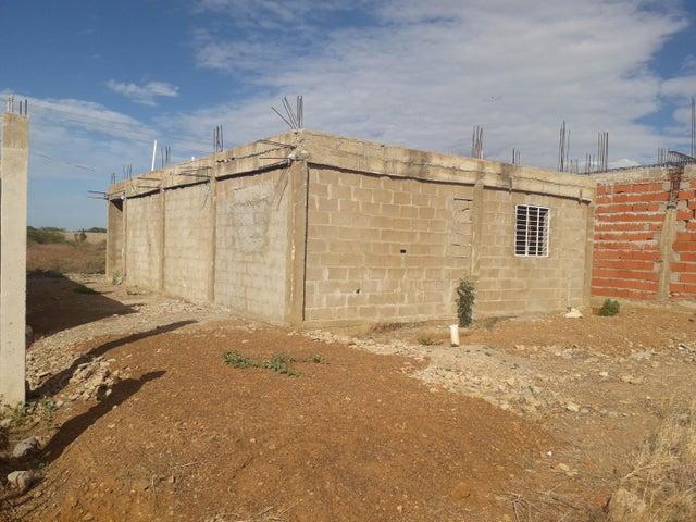 Casa Falcon>Coro>Sector La Floresta - Venta:7.500 Precio Referencial - codigo: 19-11776