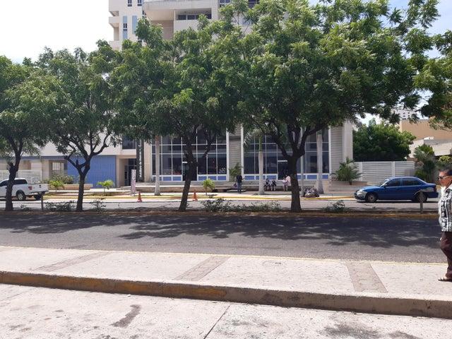Local Comercial Zulia>Maracaibo>Las Mercedes - Alquiler:175 Precio Referencial - codigo: 19-11808