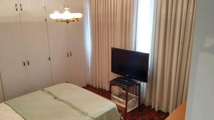 Apartamento Distrito Metropolitano>Caracas>Los Palos Grandes - Venta:130.000 Precio Referencial - codigo: 19-12166