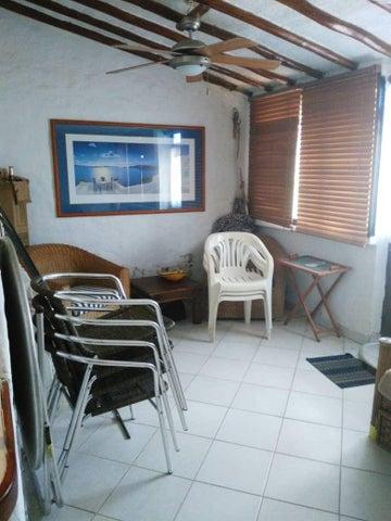 Casa Miranda>Higuerote>Via Curiepe - Venta:9.000 Precio Referencial - codigo: 19-11833