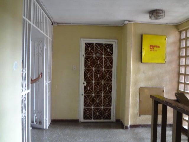 Apartamento Distrito Metropolitano>Caracas>El Valle - Venta:15.000 Precio Referencial - codigo: 19-12342