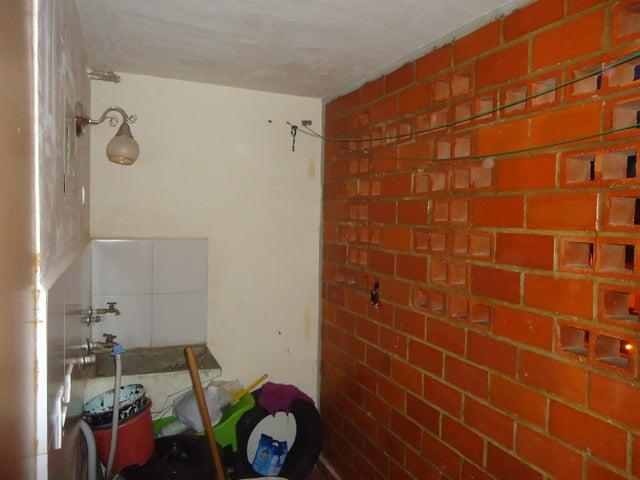 Apartamento Miranda>Guarenas>Camino Real - Venta:12.500 Precio Referencial - codigo: 19-11855