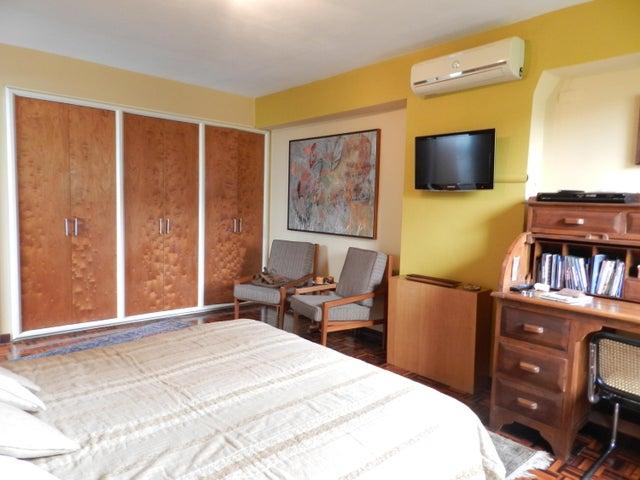 Apartamento Distrito Metropolitano>Caracas>La Florida - Venta:125.000 Precio Referencial - codigo: 19-11858