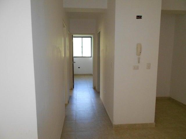 Apartamento Carabobo>Municipio Naguanagua>Palma Real - Venta:30.000 Precio Referencial - codigo: 19-11905