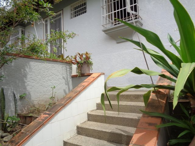 Casa Distrito Metropolitano>Caracas>La Tahona - Venta:230.000 Precio Referencial - codigo: 19-11935