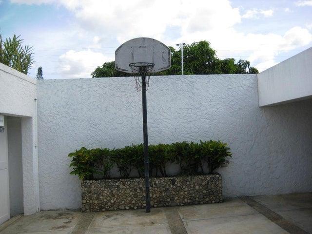 Casa Distrito Metropolitano>Caracas>Cumbres de Curumo - Venta:630.000 Precio Referencial - codigo: 19-11938
