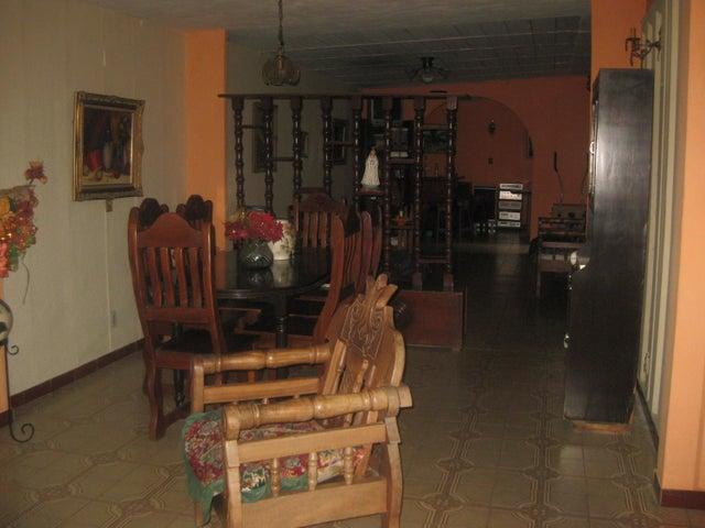 Casa Aragua>Maracay>Fundacion Mendoza - Venta:30.000 Precio Referencial - codigo: 19-11994
