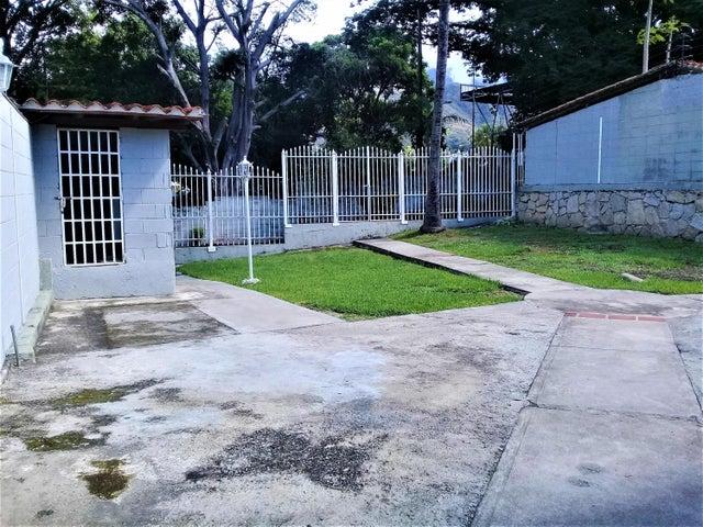 Casa Aragua>Maracay>El Castaño - Venta:135.000 Precio Referencial - codigo: 19-11971
