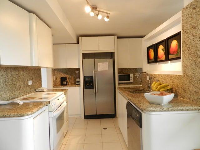 Apartamento Distrito Metropolitano>Caracas>Los Naranjos del Cafetal - Venta:350.000 Precio Referencial - codigo: 19-11992