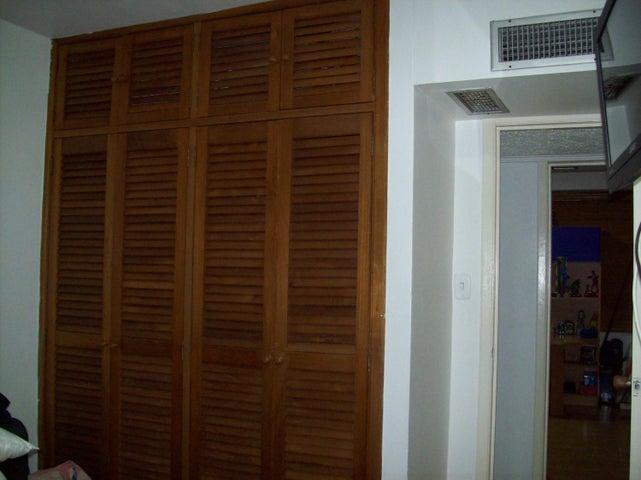 Apartamento Vargas>Parroquia Caraballeda>La Llanada - Venta:80.000 Precio Referencial - codigo: 19-12038