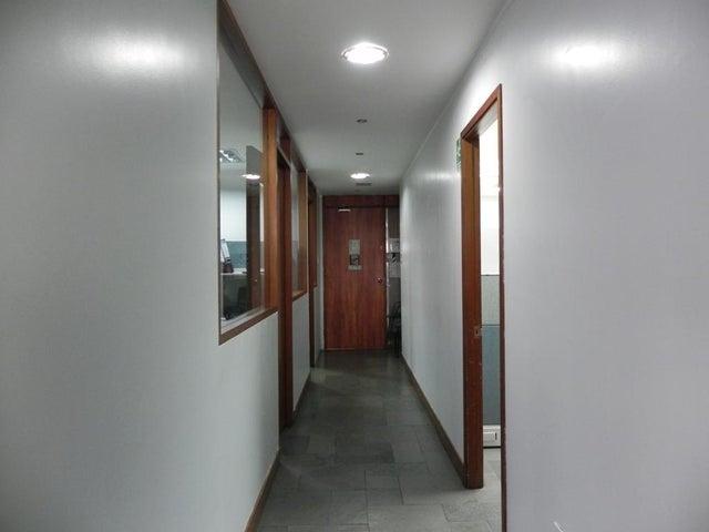 Oficina Distrito Metropolitano>Caracas>Chuao - Venta:140.000 Precio Referencial - codigo: 19-12008