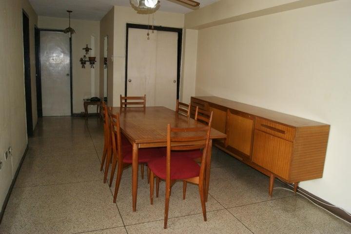 Apartamento Distrito Metropolitano>Caracas>Los Dos Caminos - Venta:45.000 Precio Referencial - codigo: 19-12011