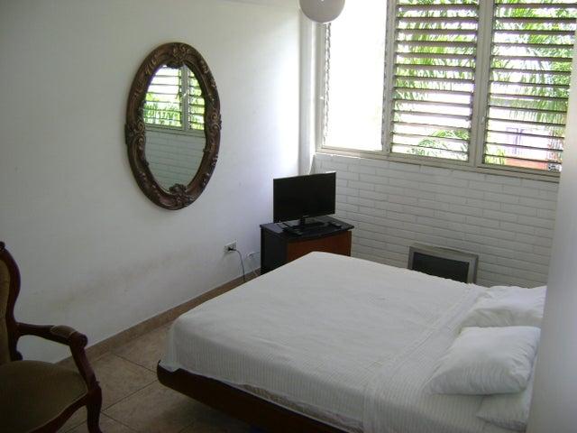 Apartamento Distrito Metropolitano>Caracas>Los Palos Grandes - Venta:74.000 Precio Referencial - codigo: 19-12025