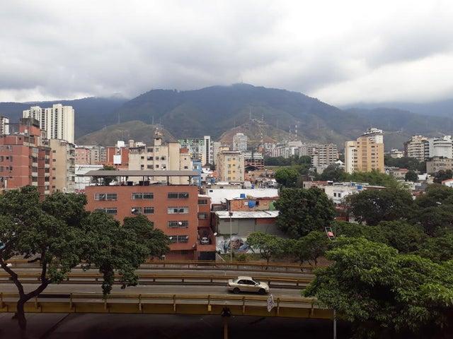 Apartamento Distrito Metropolitano>Caracas>Mariperez - Venta:77.000 Precio Referencial - codigo: 19-12087