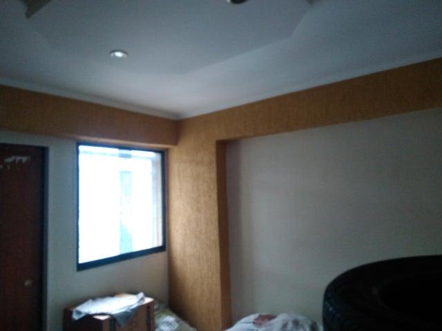Apartamento Carabobo>Municipio Naguanagua>Casco Central - Venta:11.000 Precio Referencial - codigo: 19-12052