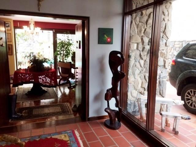 Casa Distrito Metropolitano>Caracas>Colinas del Tamanaco - Venta:319.990 Precio Referencial - codigo: 19-12061