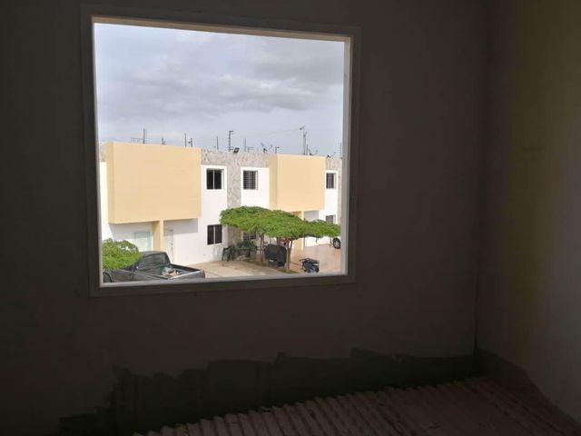 Townhouse Zulia>Municipio San Francisco>La Coromoto - Venta:36.750 Precio Referencial - codigo: 19-12075