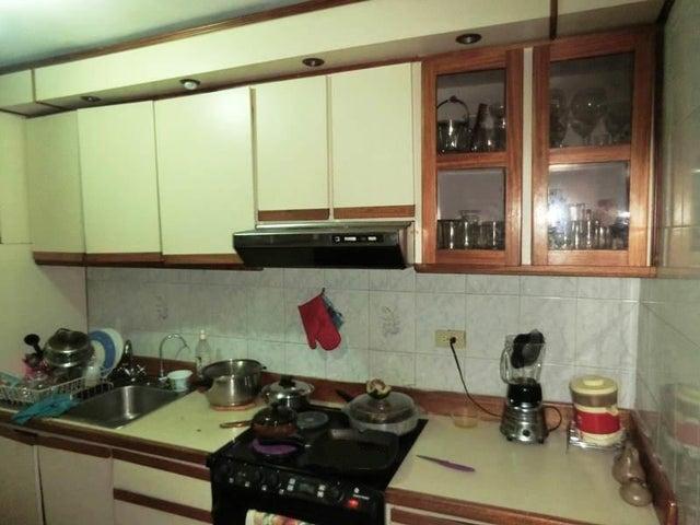 Apartamento Distrito Metropolitano>Caracas>El Paraiso - Venta:45.000 Precio Referencial - codigo: 19-12080