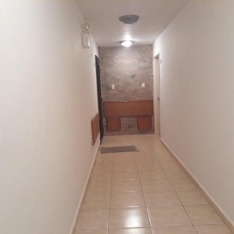 Apartamento Aragua>Cagua>Santa Rosalia - Venta:60.000 Precio Referencial - codigo: 19-12073