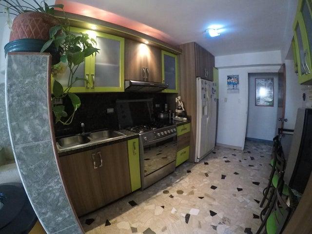 Apartamento Distrito Metropolitano>Caracas>San Martin - Venta:33.000 Precio Referencial - codigo: 19-12108