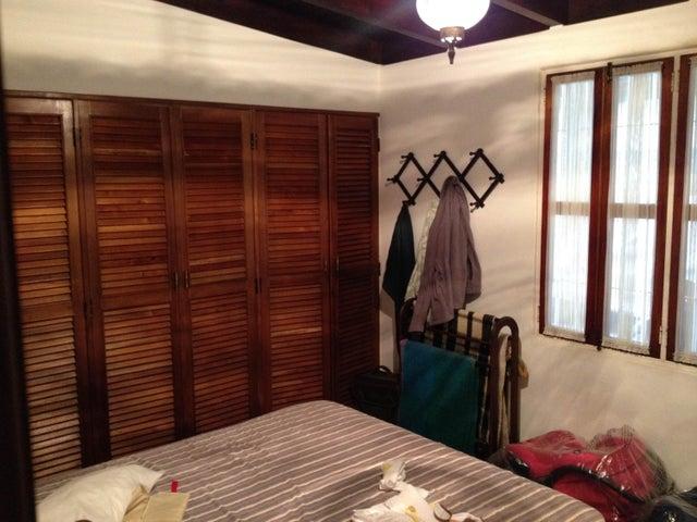 Casa Distrito Metropolitano>Caracas>Oripoto - Venta:250.000 Precio Referencial - codigo: 19-12134