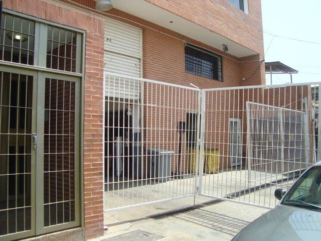 Local Comercial Vargas>Catia La Mar>La Atlantida - Venta:800.000 Precio Referencial - codigo: 19-12208