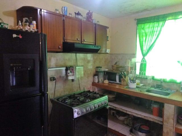 Casa Zulia>Maracaibo>La Floresta - Venta:9.000 Precio Referencial - codigo: 19-12290
