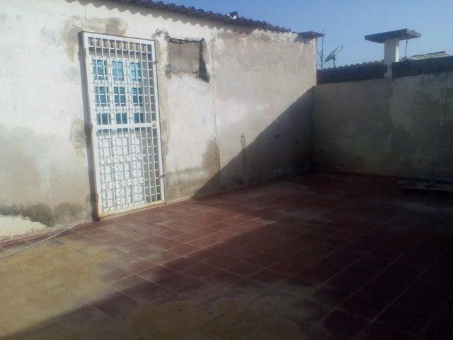 Casa Falcon>Punto Fijo>Los Taques - Venta:3.500 Precio Referencial - codigo: 19-12288
