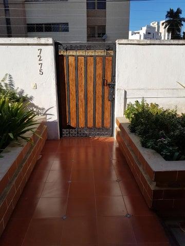 Casa Zulia>Maracaibo>La Lago - Venta:90.000 Precio Referencial - codigo: 19-12332