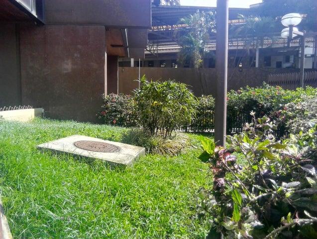 Oficina Distrito Metropolitano>Caracas>Los Dos Caminos - Alquiler:700 Precio Referencial - codigo: 19-12346